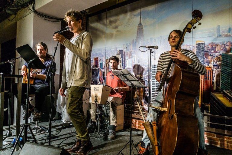 Oliver Arno Band